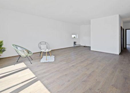 Priestranný 4 izb. byt, Galvaniho Dvory, Ružinov, 124 m2