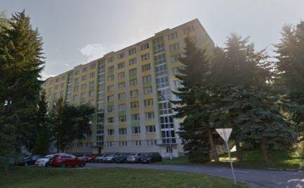 ZĽAVA !!!  Veľký  3 izbový byt typu Bauring  71 m2 s loggiou,  B. Bystrica po rekonštrukcii – Cena 125 000€