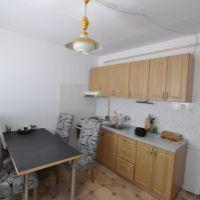 2 izbový byt, Hurbanovo, 50 m², Čiastočná rekonštrukcia