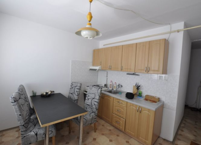 2 izbový byt - Hurbanovo - Fotografia 1