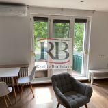 Na prenájom 2 izbový byt na Jelačičovej ulici v Ružinove