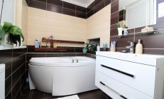 PREDANÉ - 3 izbový moderný byt, Komárno