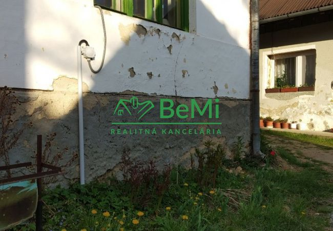 REZERVOVANE - Starý dom na predaj Klenov (052-12-NID)