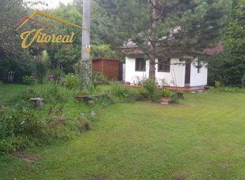 REZERVOVANÉ EXLUZÍVNE na predaj chata s vlastným pozemkov 3,5 km od KE