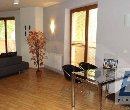 Krátkodobý prenájom 2 izbový byt, zariadený, Poprad, centrum