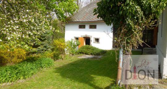 Rodinný dom/ usadlosť v lone prírody v obci Zaježová