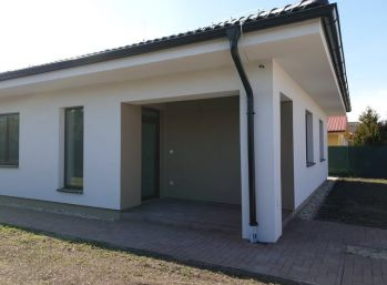 REZERVOVANÝ - Predaj 4 izb. novostavby bungalovu na 5,83á pozemku v Hornej Potôni