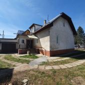 Exkluzívne u nás. Ponúkame na predaj veľmi pekný starší rodinný dom v Bytči.