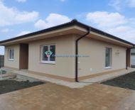 DIAMOND HOME s.r.o. Vám ponúka na predaj kvalitne postavený 4 izbový rodinný dom v obci Michal na Ostrove.
