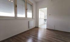 1 izbový byt na predaj s réžiou len 60€/mesačne, Komárno