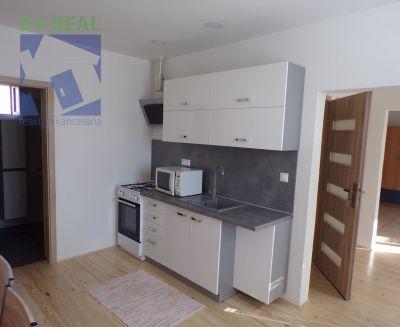 Na prenájom 3 izbový byt 80 m2 Oslany okres Prievidza 70059
