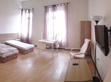 BEZ DEPOZITU, 2 izbový byt, Vysoká ulica, Staré Mesto, voľný ihneď, aj krátkodobo