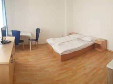 BEZ DEPOZITU, 2-izbový byt, Obchodná ulica, Staré Mesto, voľná ihneď, aj krátkodobo