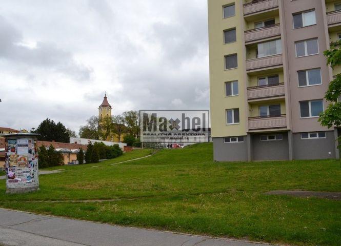 komerčná zóna - Holíč - Fotografia 1