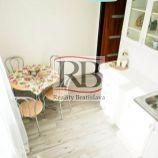 Útulný 1-izbový byt  v príjemnej lokalite v lokalite Ružinov-Trnávka, ul. Kašmírsk