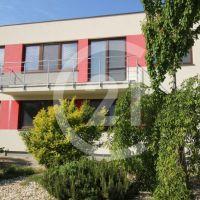 2 izbový byt, Nitrianske Hrnčiarovce, 78 m², Kompletná rekonštrukcia