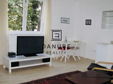 Prenájom 2-izbový byt  v Bratislave, Novom Meste na Bartoškovej ulici, neďaleko Istropolisu.