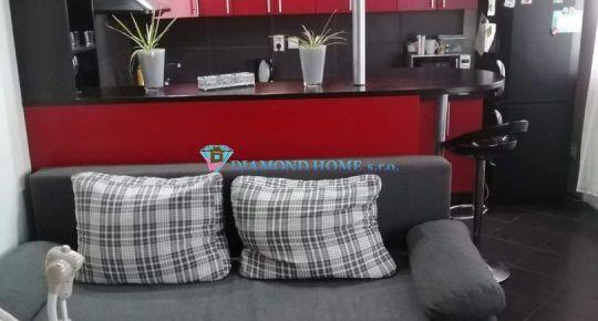 Rezervovaný/DIAMOND HOME s.r.o. - Alžbeta Horváthová exkluzívne ponúka Vám na predaj luxusný  3 izbový byt  v obci Vydrany 2 km od Dunajskej Stredy.
