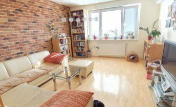 Úžasný 3 izbový  byt v centre mesta s klimatizáciou a výhľadom na mesto!!