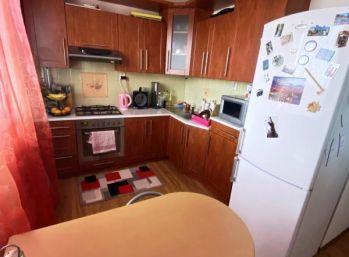 4-i byt 75 m2 LOGGIA ,čiastočná rekonštrukcia,len na SKOK do centra