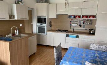 Zrekonštruovaný 2,5-izbový byt v Partizánskom