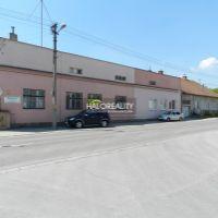 Administratívna budova, Topoľčany, 3604 m², Čiastočná rekonštrukcia