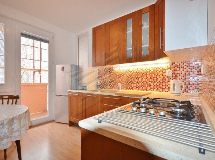 PREDANÉ - ŠEVČENKOVA, 4-i byt, 87 m2 - kompletne a KVALITNE zrekonštruovaný byt s loggiou, 3.p./8 v ZATEPLENOM a ZREKONŠTRUOVANOM BYTOVOM DOME
