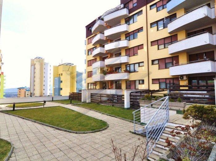 PREDANÉ - MATEJKOVA, 3-i byt, 132 m2 - novostavba, ideálny BYT PRE RODINU so ZÁHRADKOU a terasou, VLASTNÝM KÚRENÍM, komorou, ŠATNÍKOM A GARÁŽOU