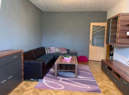 4 izbový  byt  Topoľčany