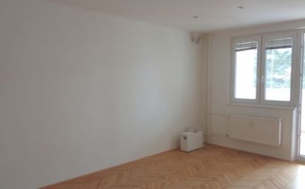 Predaj 2-izbového bytu s veľkou loggiou v centre mesta Martin