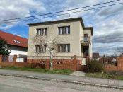 Predaj - veľmi pekný starší rodinný dom vo Vajnoroch