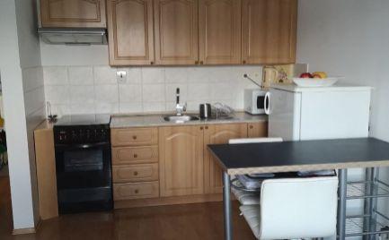 Ponúkame do prenájmu krásny 1 a 1/2 izbový byt v Ružinove