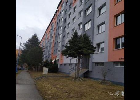 PRENAJATÉ - Priestranný 4-izbový byt s balkónom na prenájom Poprad - Starý Juh
