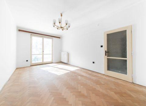 PREDANÝ - Na predaj výnimočný 2 izbový byt 71 m2 pri Dulovom námestí s možnosťou úpravy na 3 izbový