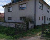 Ponúkame na predaj dom v Malých Stracinách pri Veľkom Krtíši