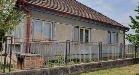Rodinný dom na predaj v obci Strekov.