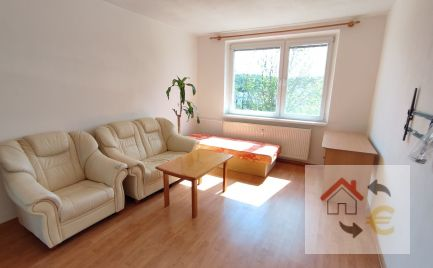 Prenajatý do 1.6.2021....Na prenájom 2 izbový byt čiastočne zariadený, Mukačevská ulica, čiastočná rekonštrukcia