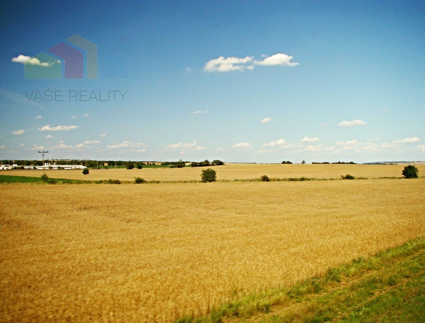 Predaj investičného pozemku, orná pôda o výmere 11.941 m², Bratislava – Rusovce