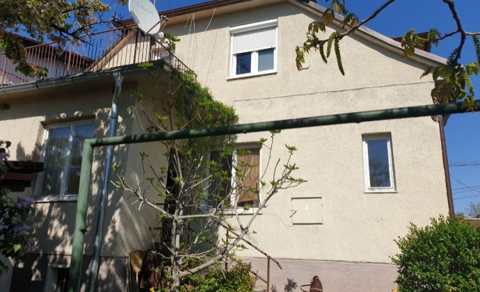 Best Real - priestranný 6 izbový dom, širšie centrum Pezinka, 2 bytové jednotky