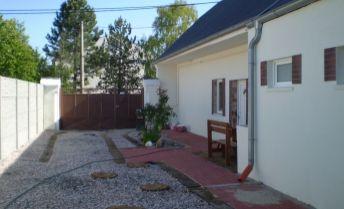 Na predaj chalupa – rodinný dom po komplet rekonštrukcii v obci Váhovce. Treba vidieť !!!!!