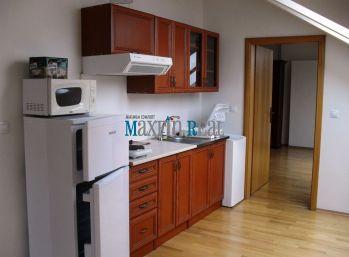 MAXFIN REAL - na prenájom podkrovný byt na Farskej ulici aj na podnikanie