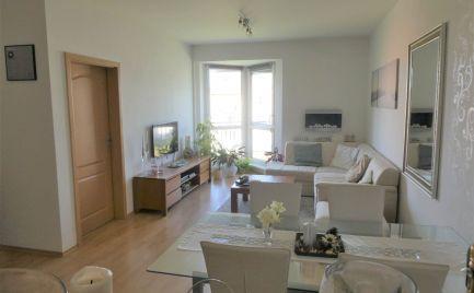 REZERVOVANÝ - Veľmi pekný 2 izbový byt s balkónom, bezbariérový