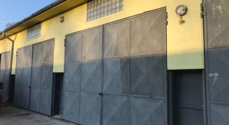 Prenájom - skladové priestory s veľkými garážovými bránami v Komárne