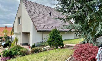 Prenájom rodinný dom Kanianka, 170 m², vyhradené parkovanie, Lesná