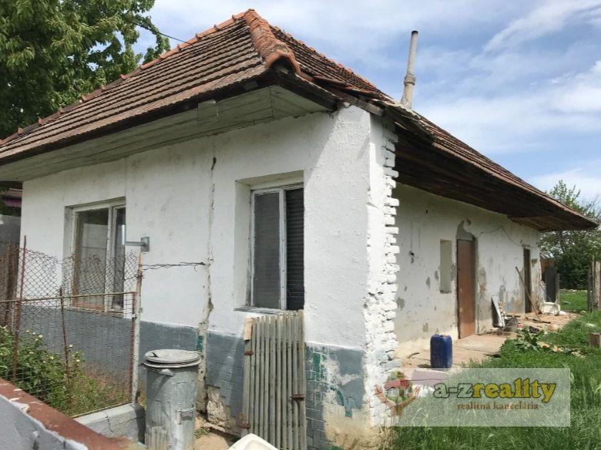 Rodinný dom-Predaj-Semerovo-13500.00 €