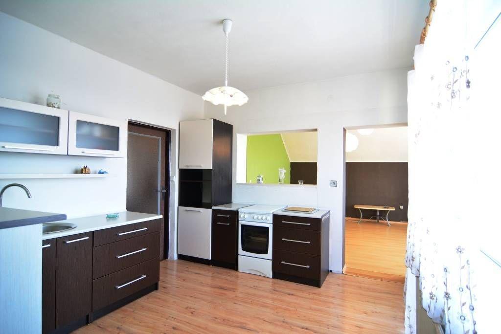 PREDANÉ rodinný dom Štrba, 2 samostatné bytové jednotky s rozlohou 100 m2 - 1