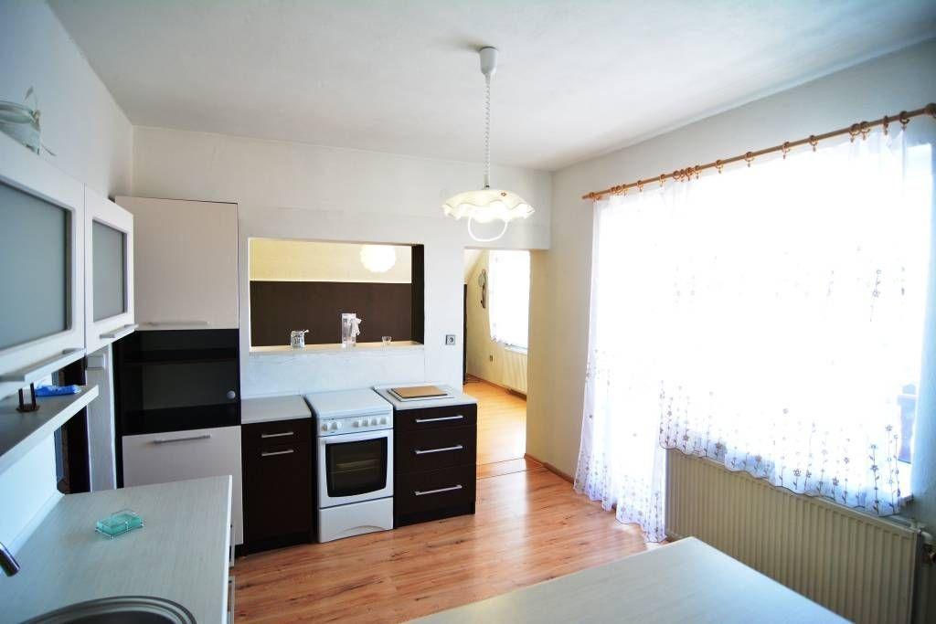 PREDANÉ rodinný dom Štrba, 2 samostatné bytové jednotky s rozlohou 100 m2 - 2
