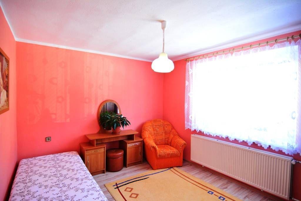 PREDANÉ rodinný dom Štrba, 2 samostatné bytové jednotky s rozlohou 100 m2 - 24