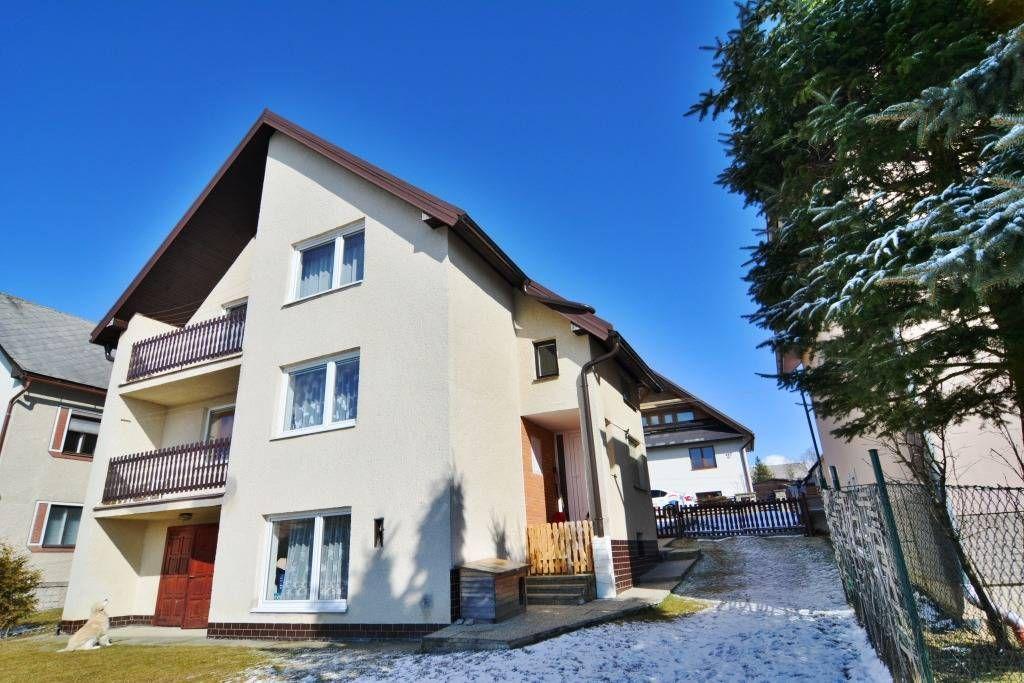 PREDANÉ rodinný dom Štrba, 2 samostatné bytové jednotky s rozlohou 100 m2 - 35