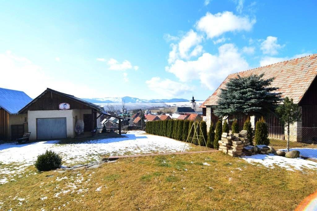 PREDANÉ rodinný dom Štrba, 2 samostatné bytové jednotky s rozlohou 100 m2 - 36